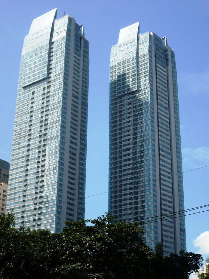 St. Francis Shangri-La Place Twin Towers