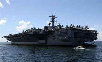 USS Carl Vinson Aircraft Carrier in Manila Bay, May 2011